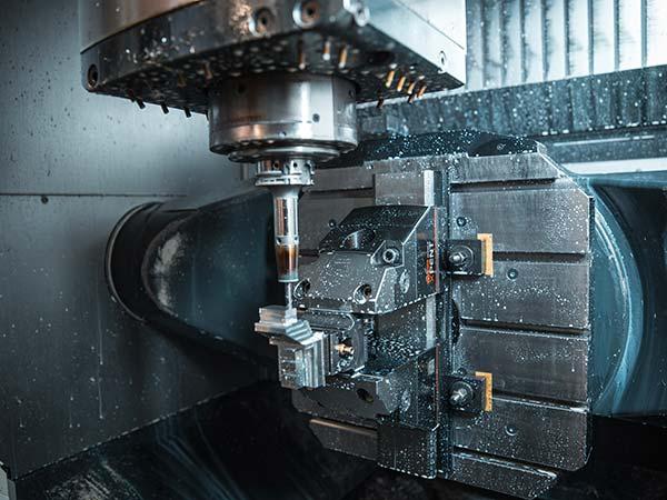 Lavorazioni-di-fresatura-di-componenti-meccanici-modena