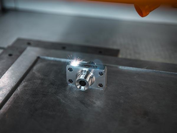Reparto-di-marcatura-a-laser