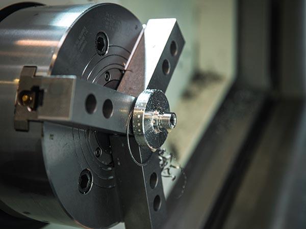 Tornitura-automatica-di-precisione