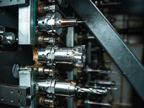 Macchine-di-precisione-cnc-5-assi-parma