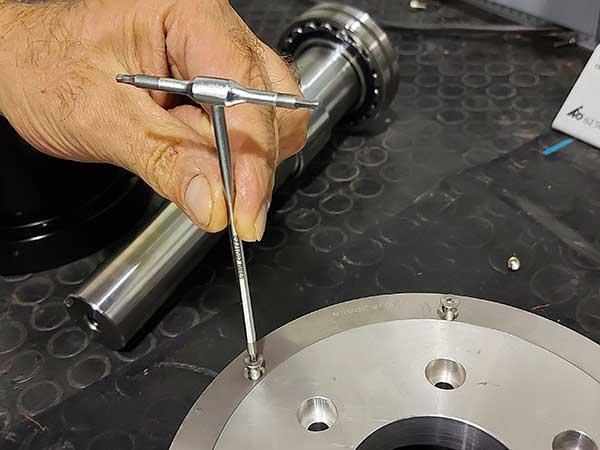 Montaggio-componenti-macchine-automatiche-bologna